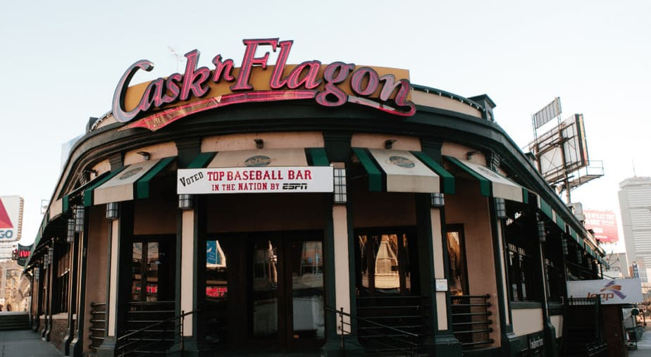 Cask 'n Flagon, a Boston bar