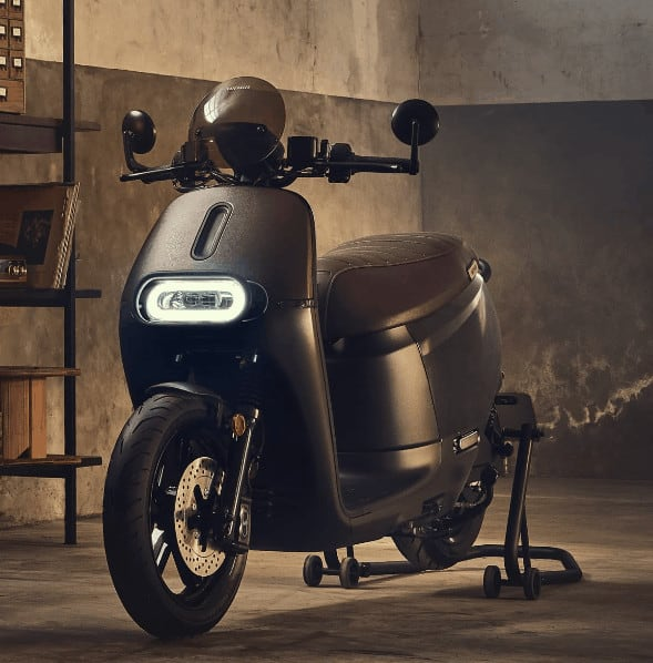 Cafe Racer electric scooter