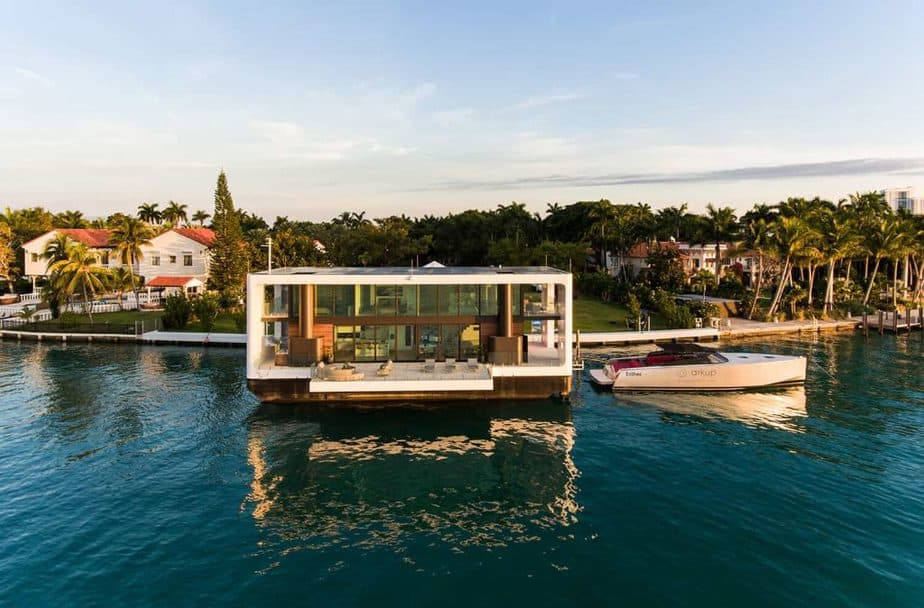 Arkup livable houseboat exterior