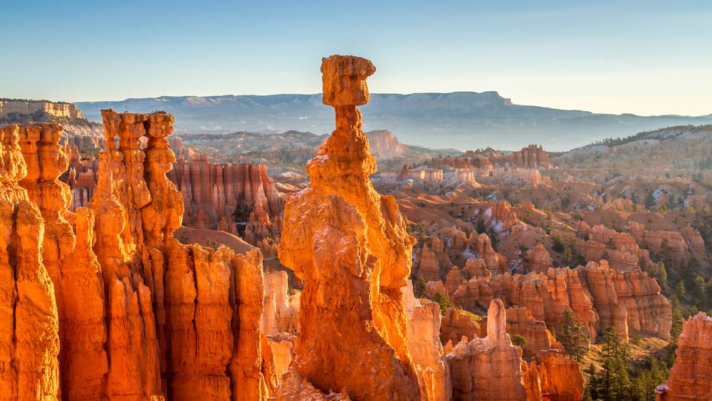 Bryce canyon with rock on hoodoos