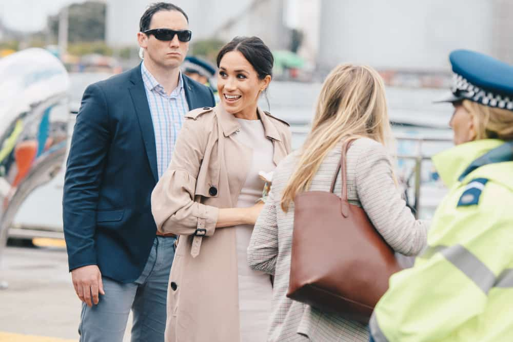 Duchess with Everlane tote bag
