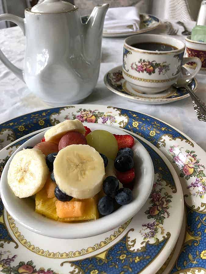 Fruit-bowl-at-bed-and-breakfast