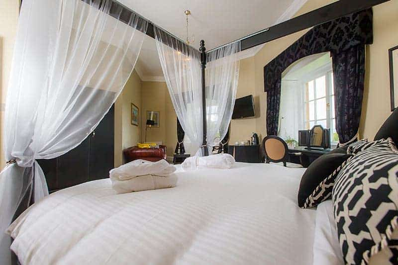 Master bedroom Coul House Hotel