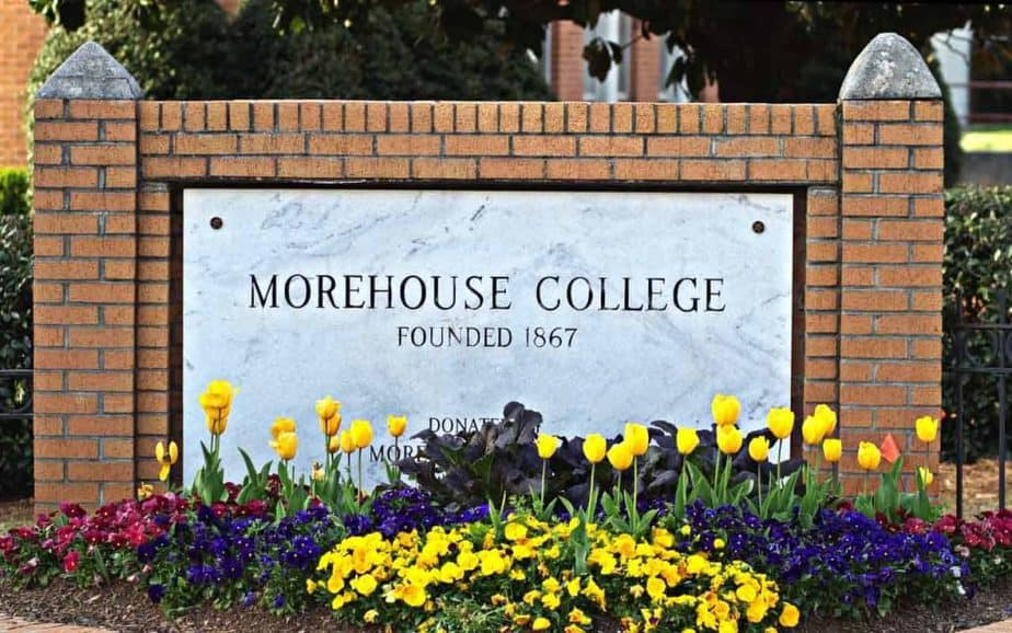 Oprah Winfrey gives scholarships to Morehouse College