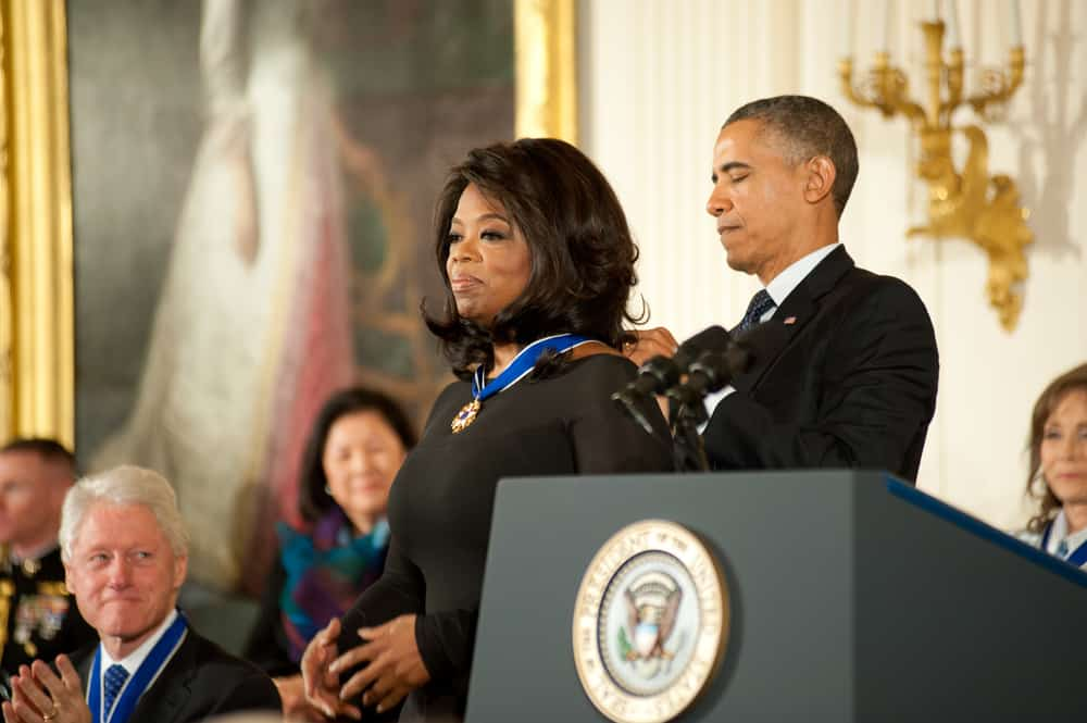 Oprah-Winfrey-receives-the-Presidential-Medal-of-Freedom