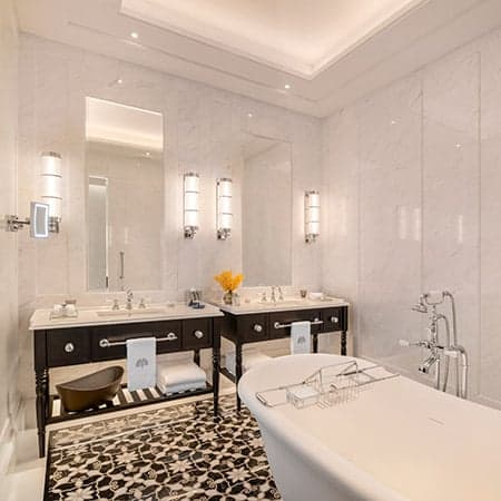 Raffles hotel Courtyard-Suite-Bathroom