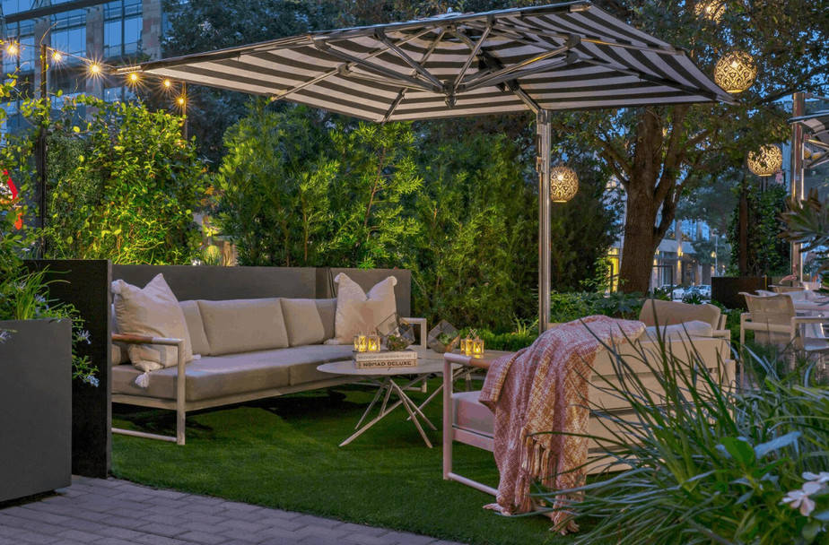 TRACE-Private-dining-patio