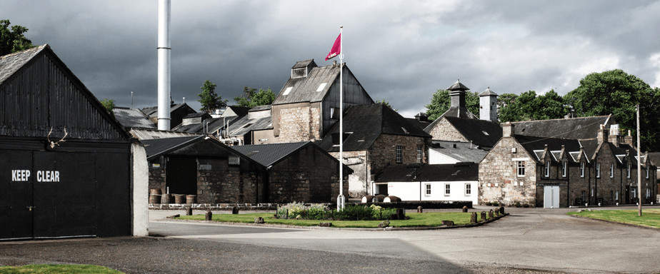 The Dalmore Scottish Whisky Distillery exterior
