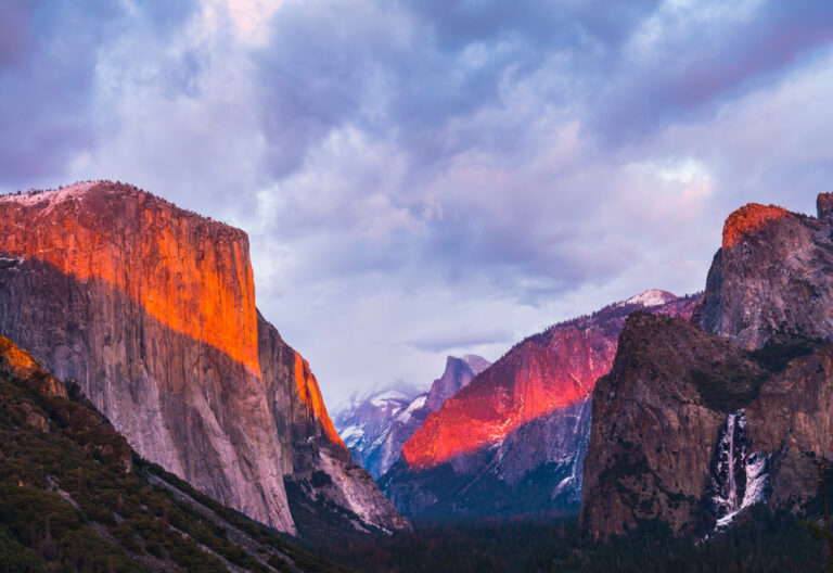 Beautiful,Colorful,Of,Yosemite,National,Park,At,Sunset,In,Winter