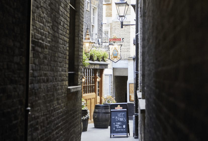 alley to The Ye Olde Mitre pub in London