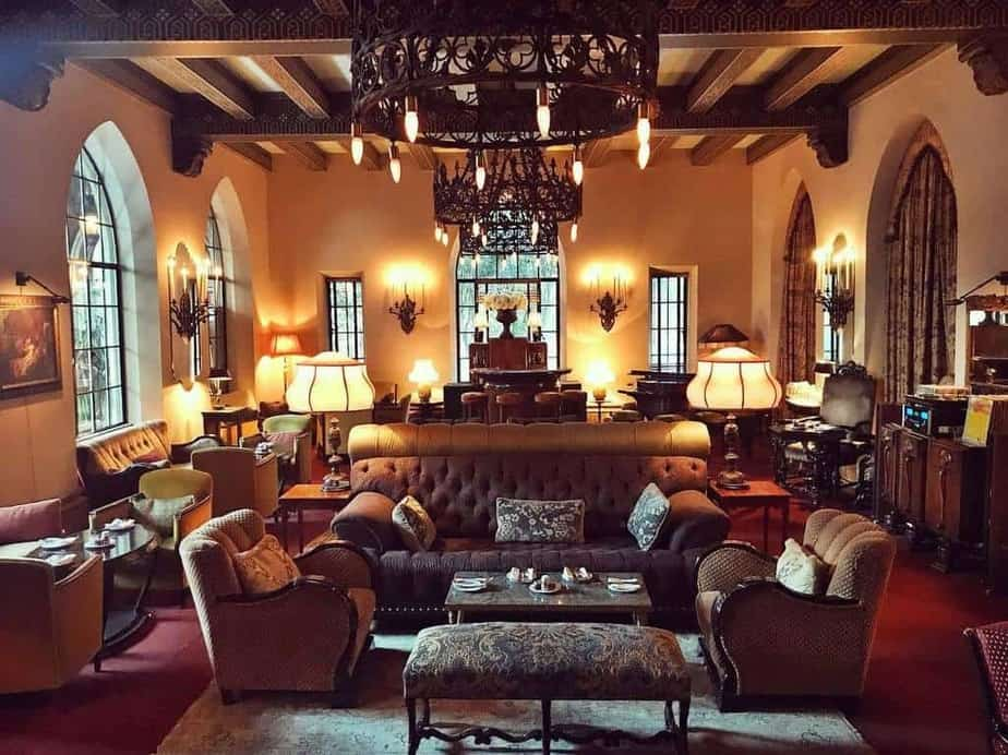 chateau_marmont_lobby