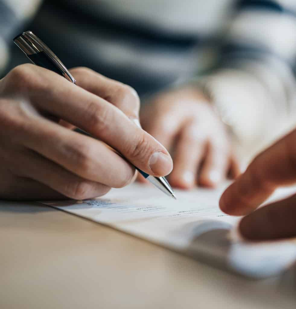 Signing a timeshare contract