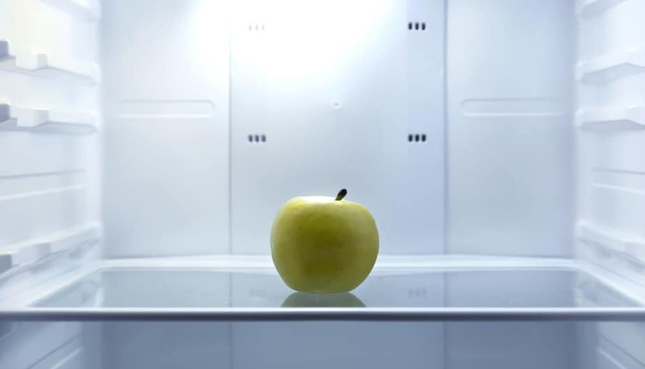 empty refrigerator-Fasting lets you live longer