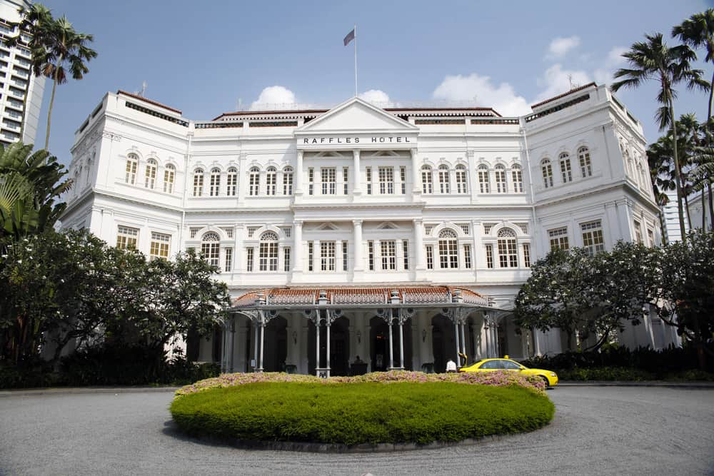 Raffles luxury hotel in Singapore exterior