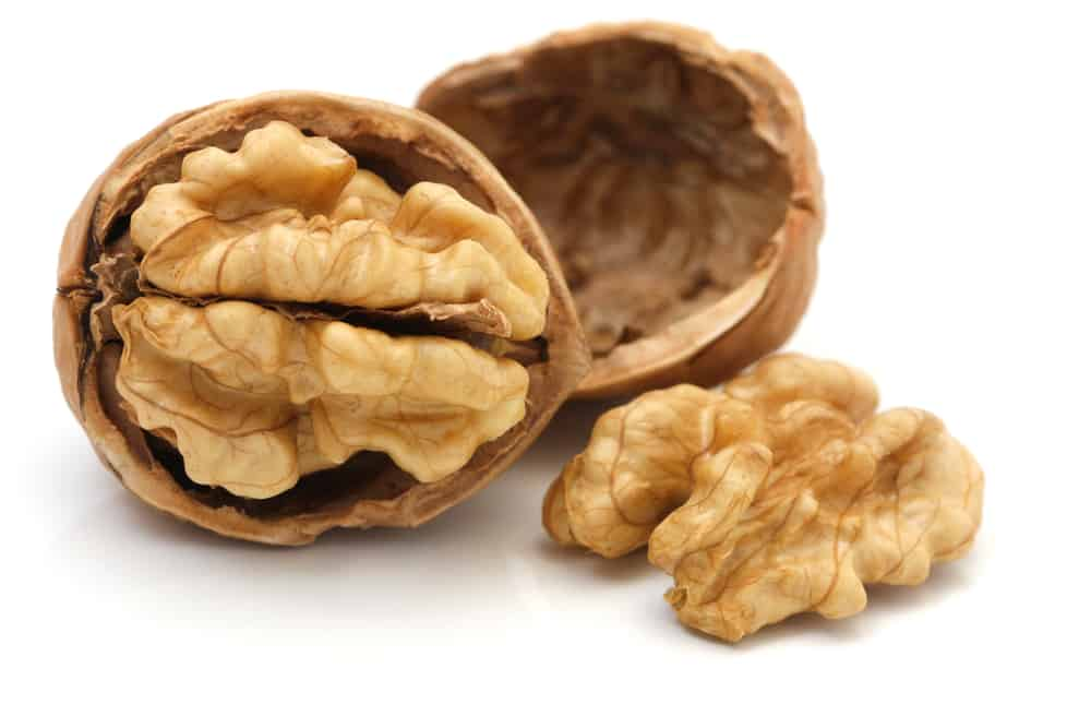 Walnuts are a healthy food for the brain
